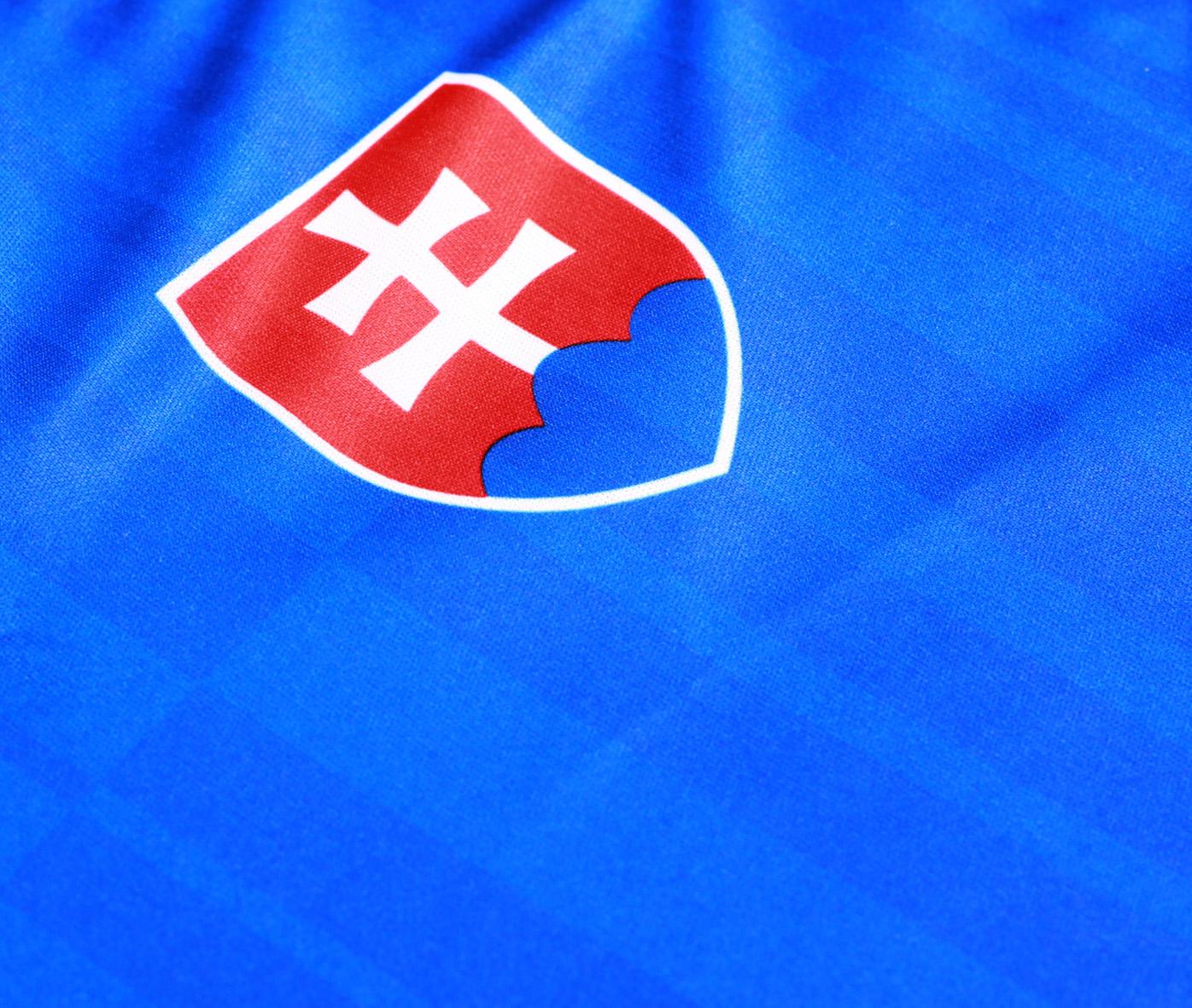 b0afaea37f168 DRESY - SLOVAKIA SLOVENSKO | detské reprezent. futbal. trenírky ...
